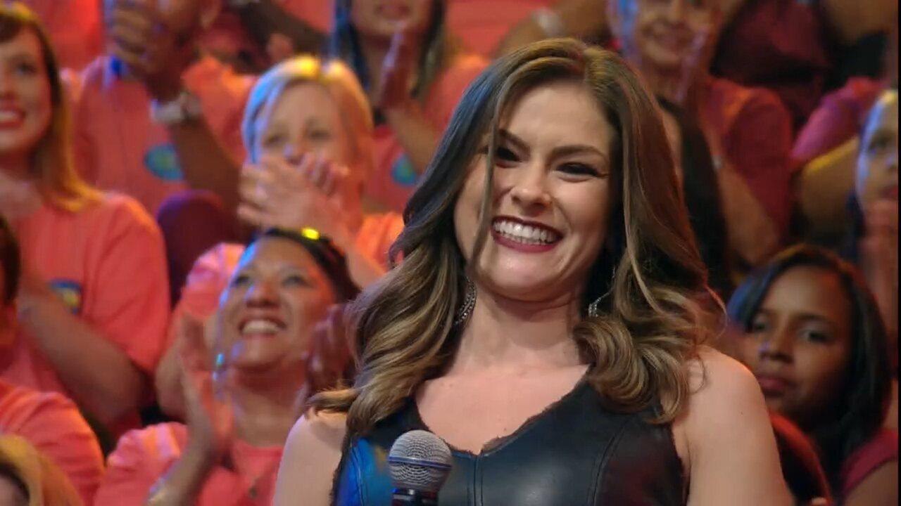 Renata Longaray estreia no 'Domingão do Faustão'