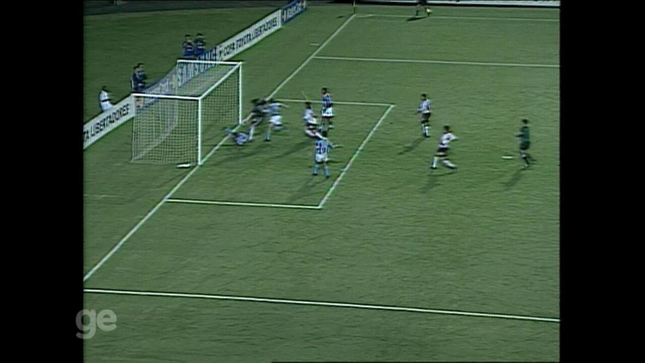 Relembre Grêmio 4 x 0 River Plate pela Libertadores
