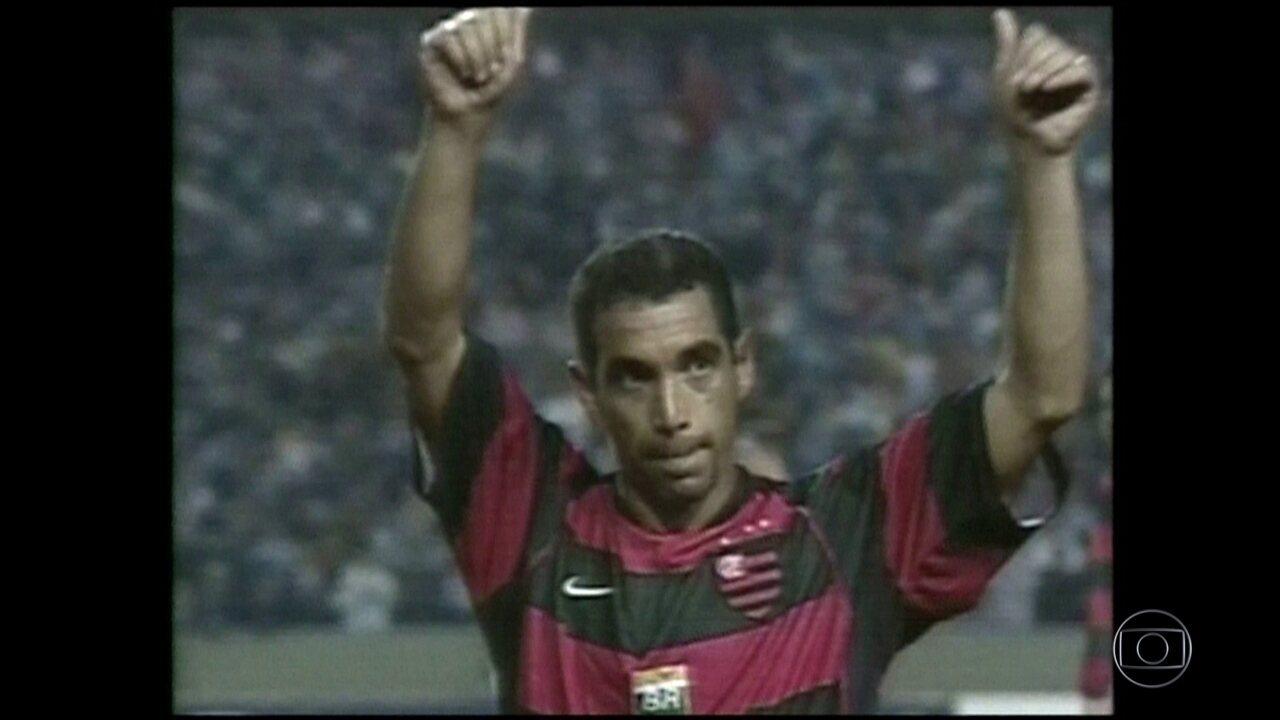 """""""Baú do Esporte"""": em 2004, Flamengo e Grêmio se enfrentaram no Brasileiro e Copa do Brasil"""