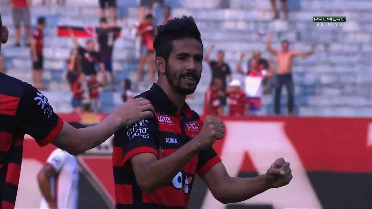 Veja o belo gol de Jonathan na vitória do Atlético-GO sobre o Paraná, no dia 17 de setembro de 2016