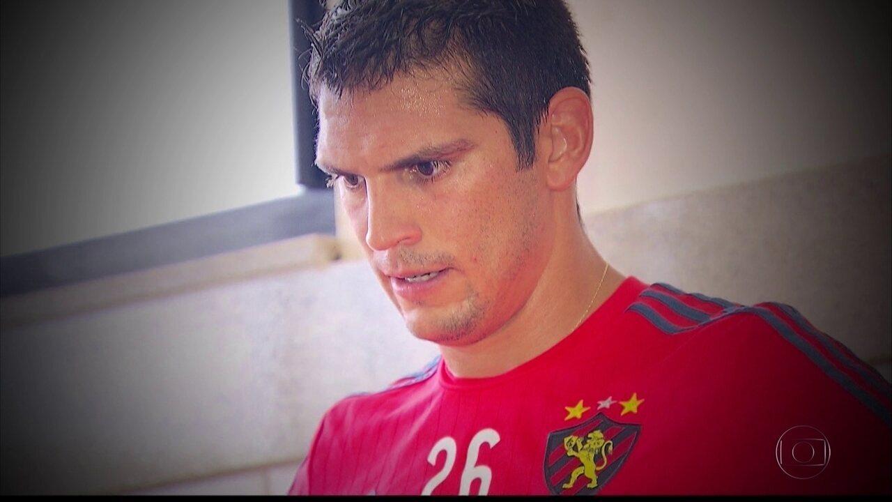 Meia chileno Mark Gonzaléz é afastado do Sport por presidente do clube; jogador nega