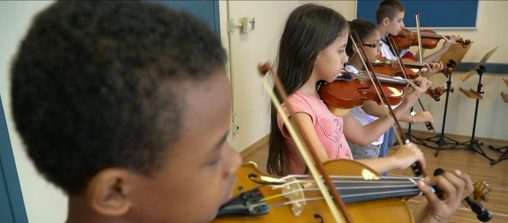 Instituto Baccarelli ensina música para mais de mil crianças e jovens em Heliópolis