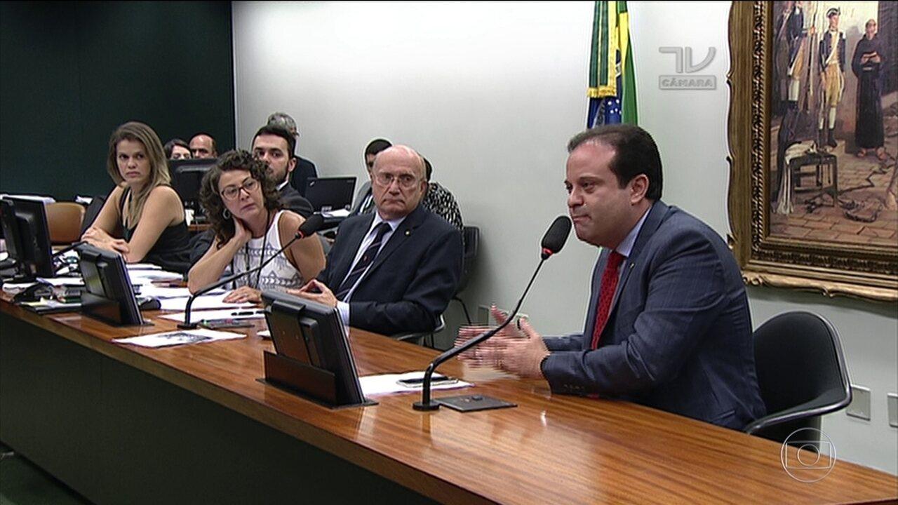 CCJ discute se projeto de reforma da previdência pode tramitar na Câmara
