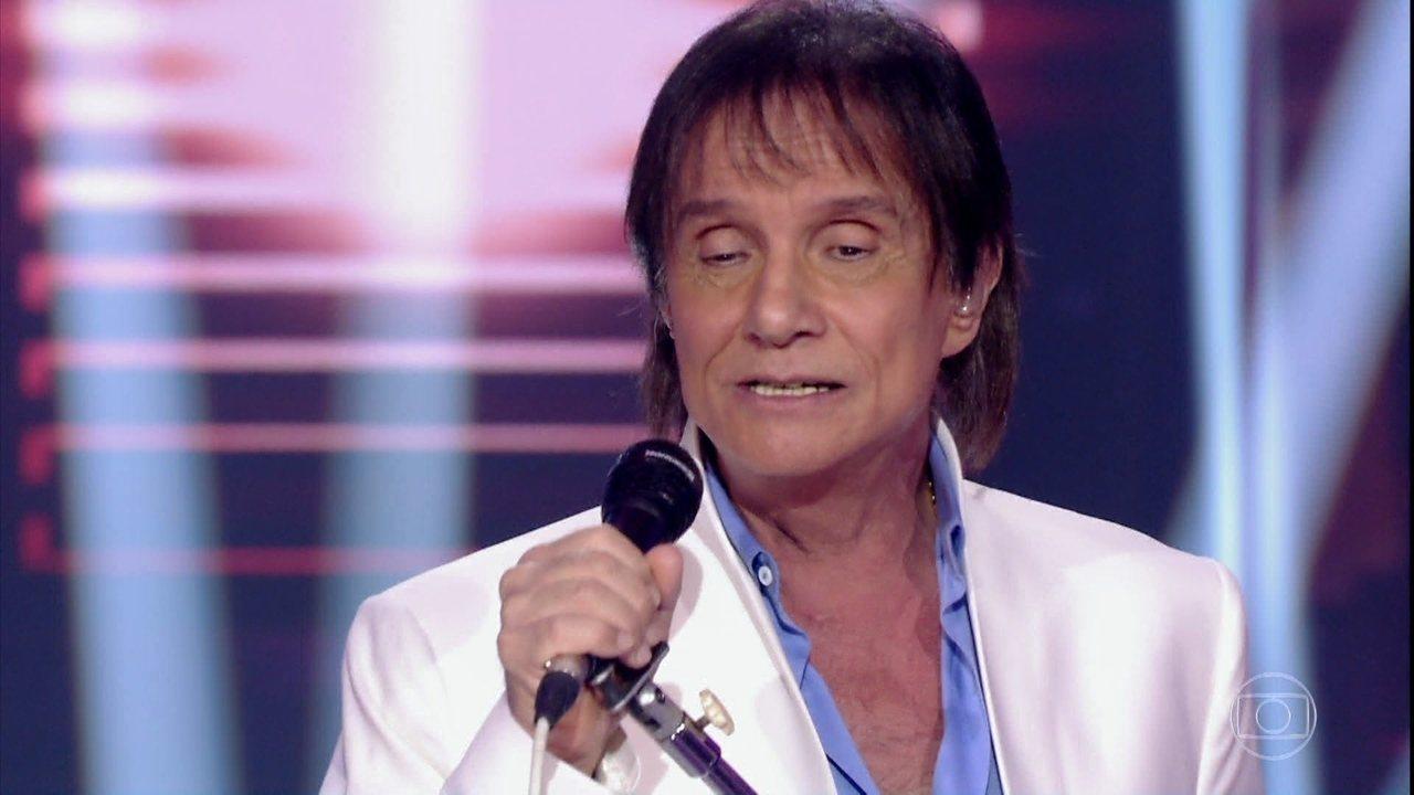Roberto interpreta a canção 'Como Vai Você'