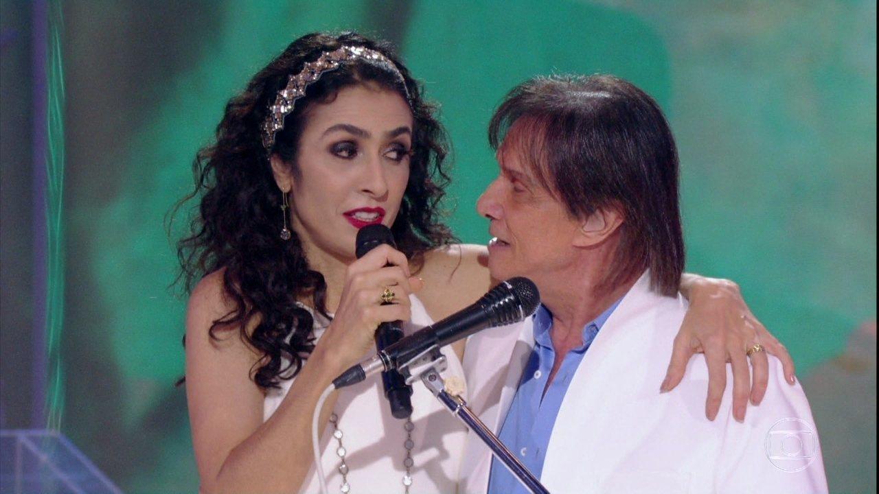 Roberto Carlos canta a música'Ainda Bem' com Marisa Monte