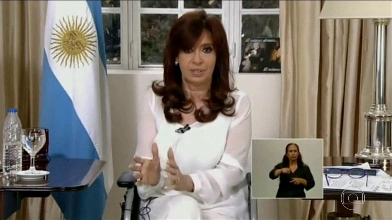 Cristina Kirchner é formalmente acusada de corrupção e outros crimes