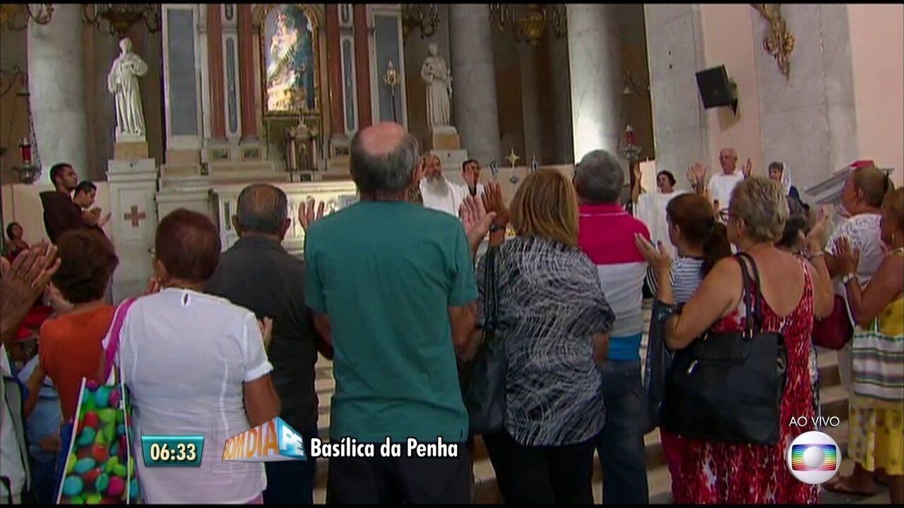 Fiéis fazem últimas orações de 2016 na Benção de São Félix
