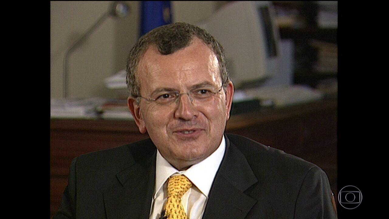 Polícia do Rio investiga se corpo carbonizado é de embaixador grego
