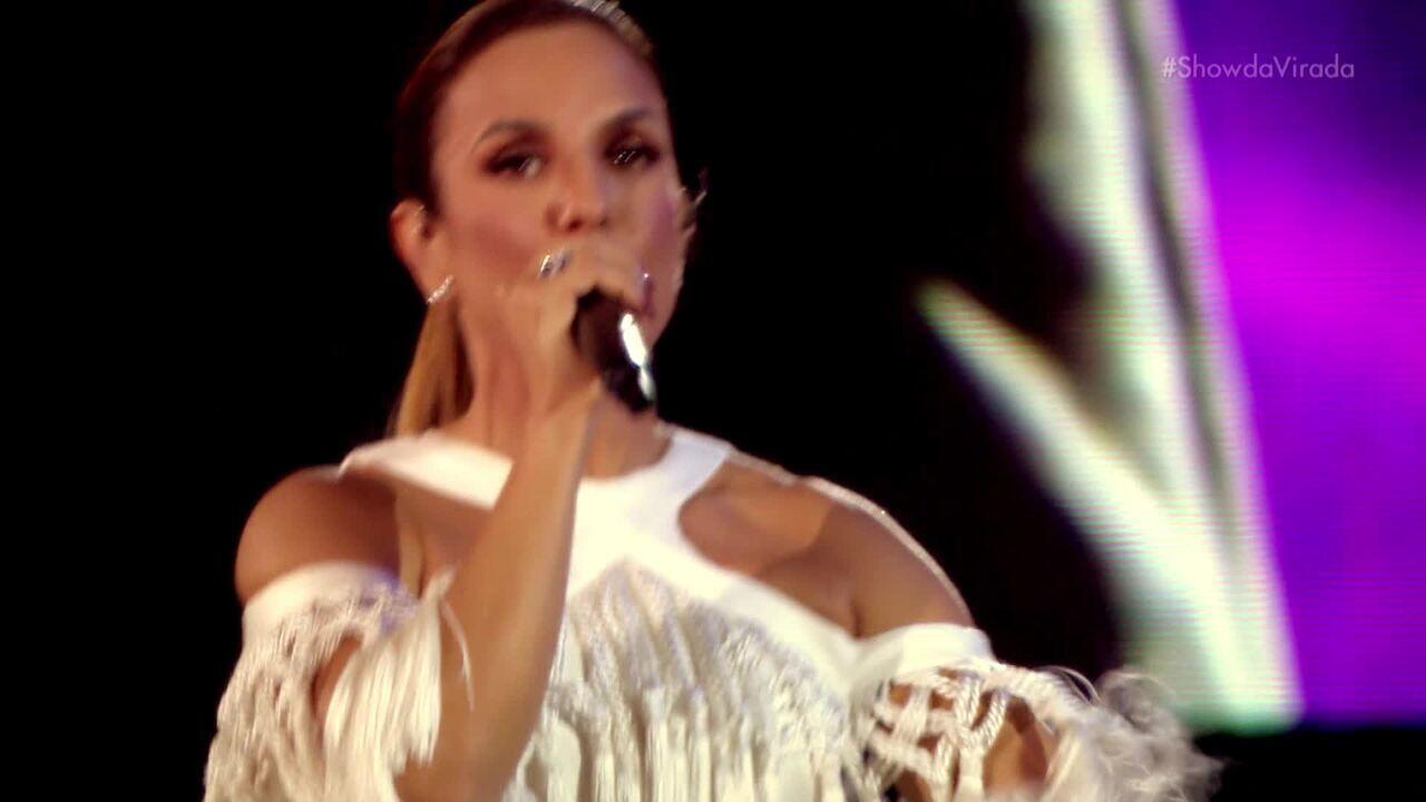 Ivete Sangalo levanta o público com 'O Farol'