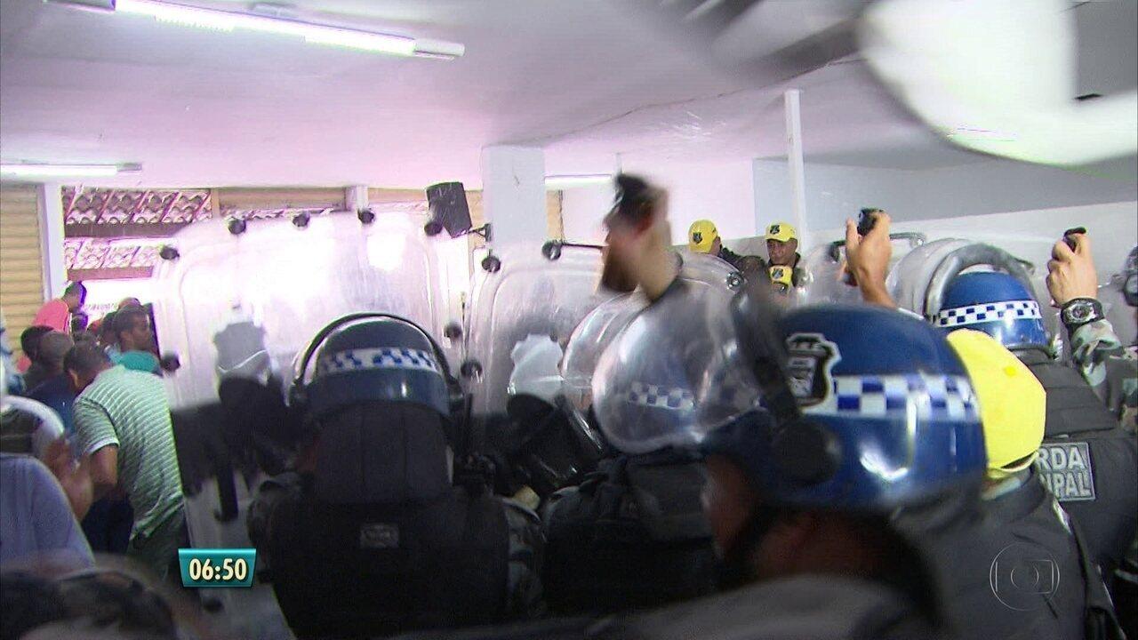 Posse dos prefeitos e vereadores é marcada por confusão em Ipojuca