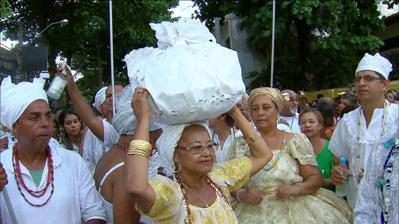 Cerimônia das Águas de Oxalá abre caminhos para o tradicional carnaval de Olinda