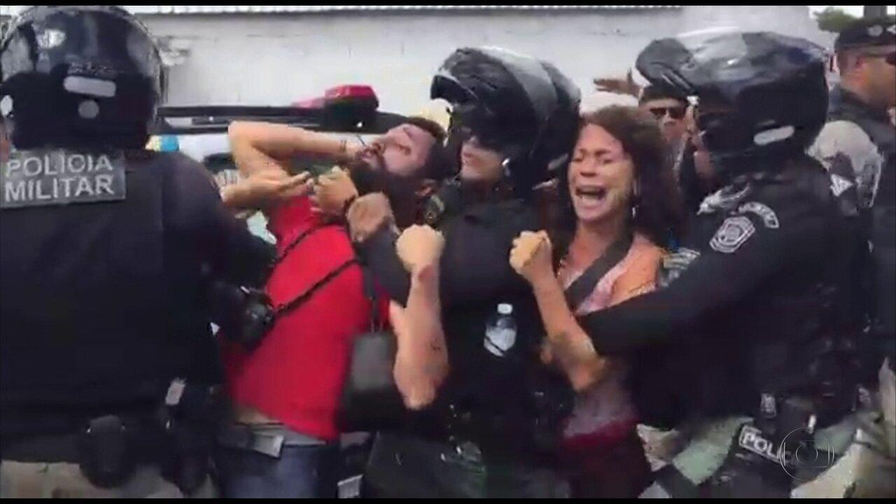 Reajuste de passagem é marcado por protesto no Recife