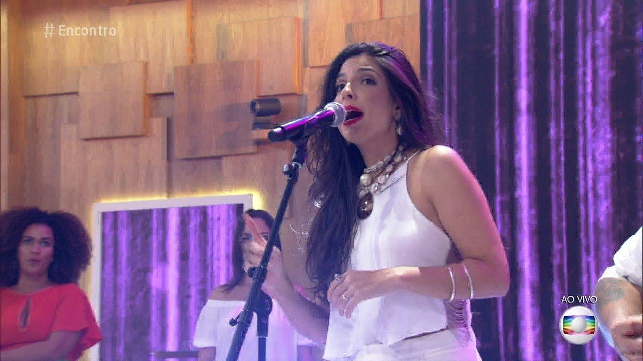 Illy canta 'Só Eu e Você', tema de Loretta (Claudia Ohana) em 'Sol Nascente'