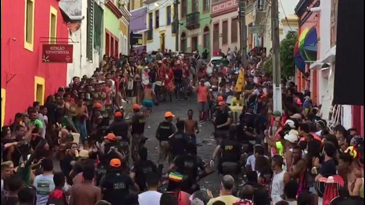 Moradores de Olinda relatam ação de vândalos durante prévias