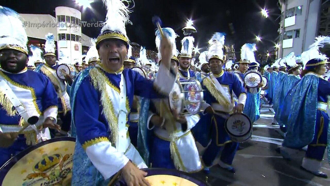 Barcelona do Samba tem 240 ritmistas que representam os guardiões da paz