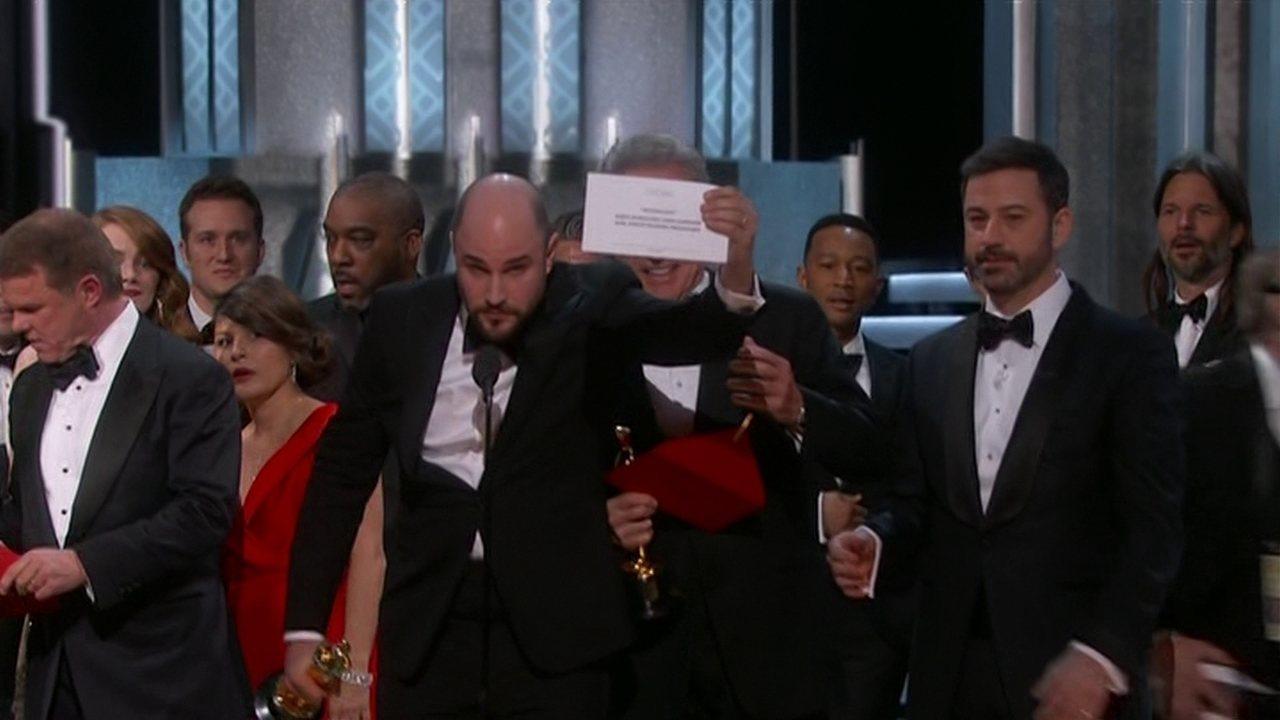 'Moonlight' é escolhido melhor filme do Oscar 2017, após confusão com os apresentadores