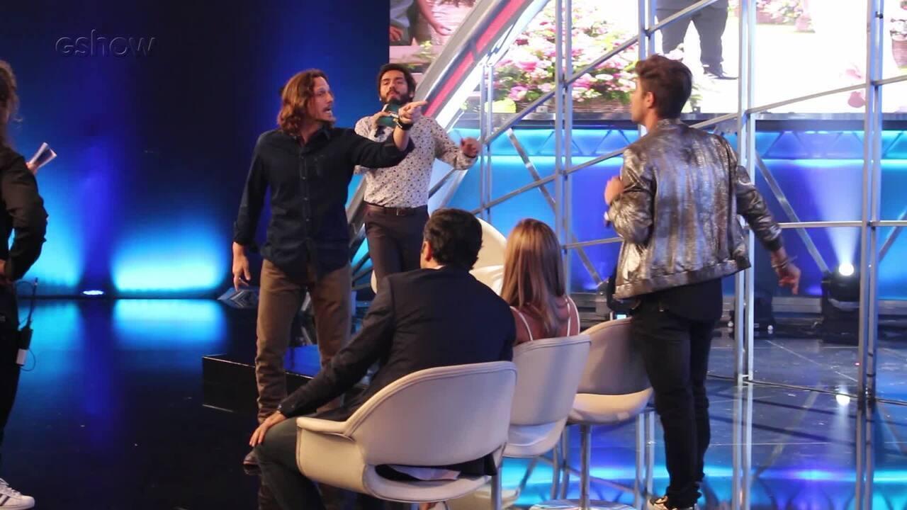 Confira os bastidores das gravações do barraco de Gui e Léo em programa de TV