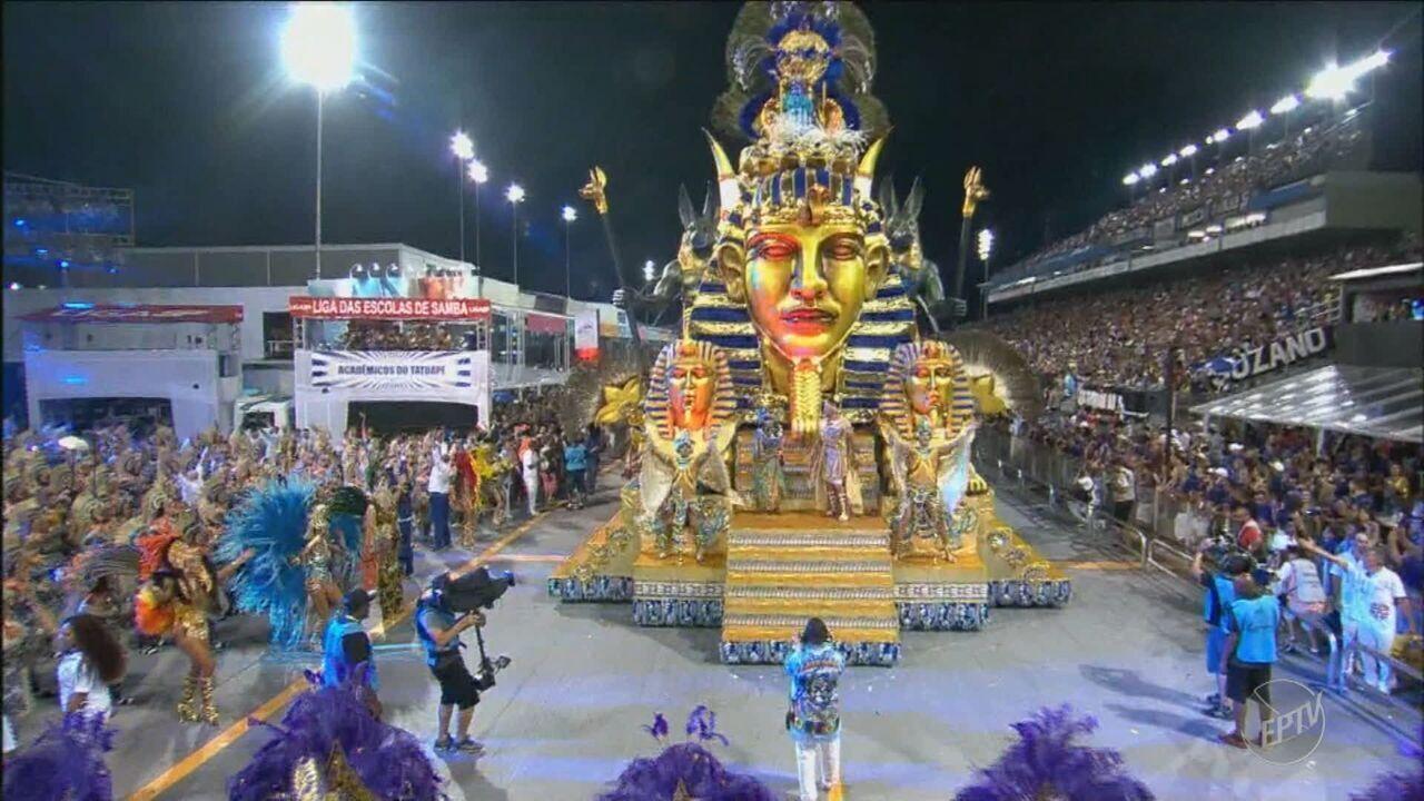 Resultado de imagem para Segunda noite de desfiles em São Paulo reúne cinco campeãs