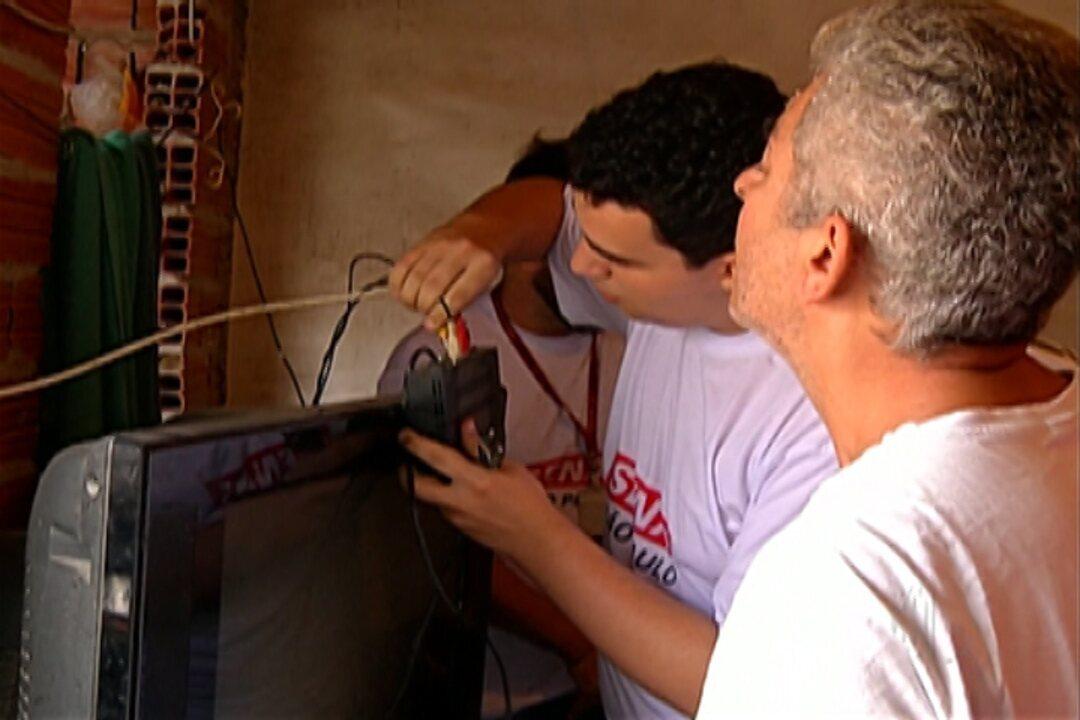 Alunos do Senai e TV Diário percorrem bairros de Mogi para tirar dúvidas sobre TV Digital