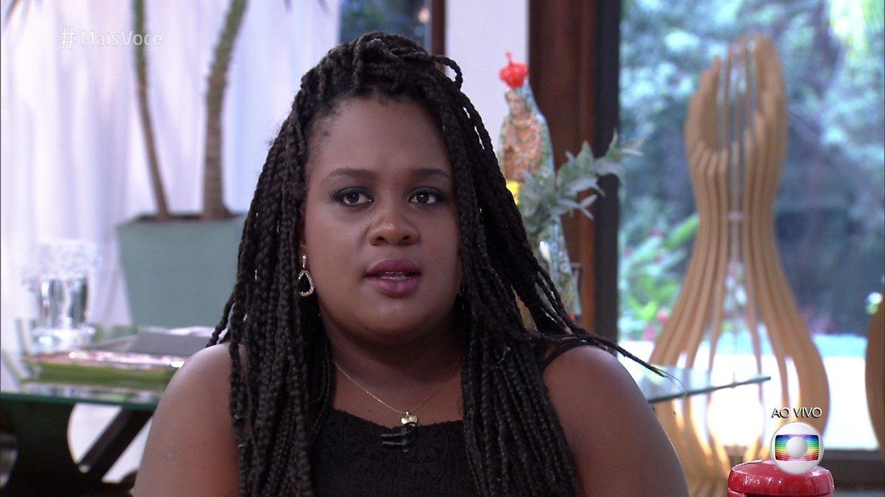 Roberta critica as atitudes de Marcos com Emilly