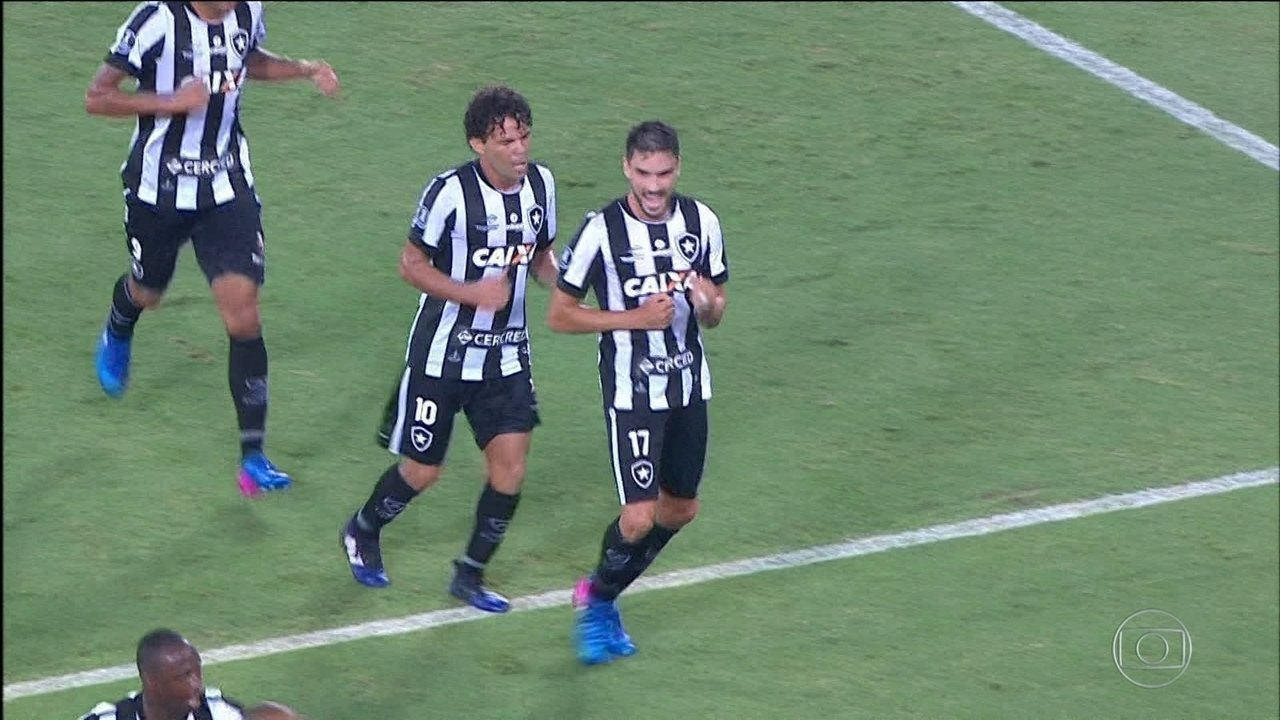 Botafogo vence o Estudiantes na estreia da fase de grupos da Libertadores