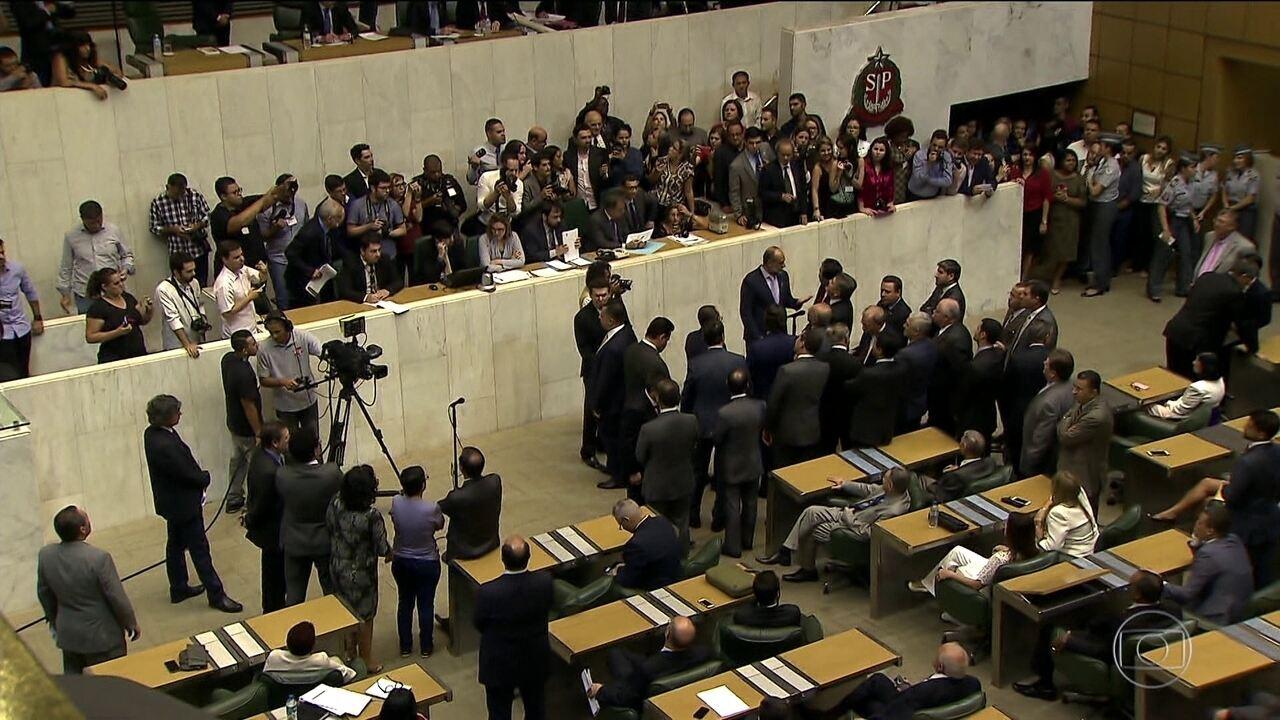 Deputados estaduais escolhem a nova mesa diretora da Assembleia Legislativa.