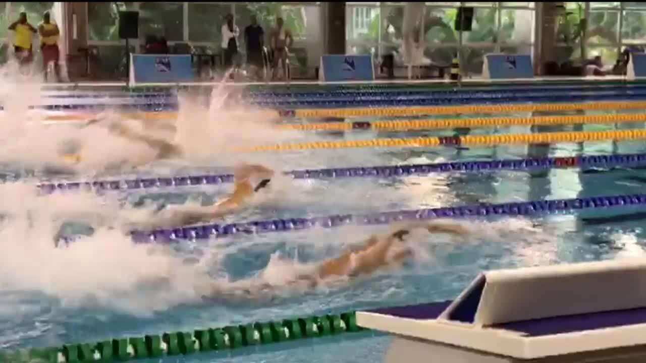 Após onze meses parado, César Cielo está de volta às piscinas