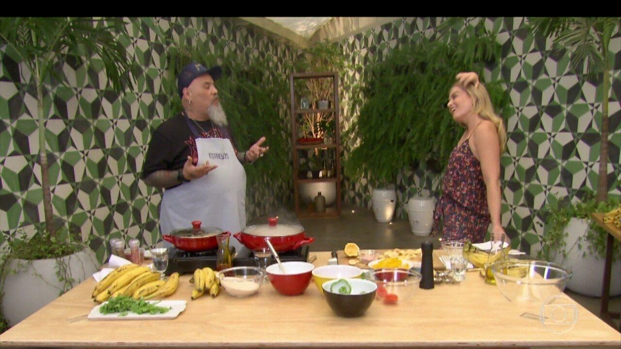 João Gordo prepara Moqueca de Banana