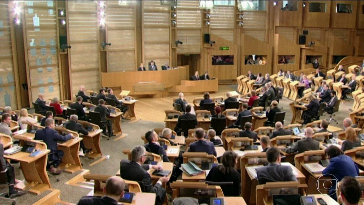 Parlamento escocês aprova novo plebiscito sobre independência do Reino Unido