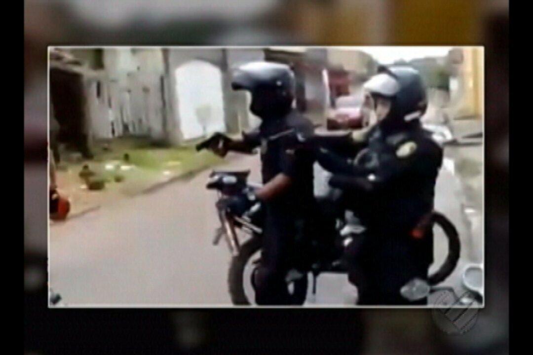 Vídeo de celular registra abordagem de Guarda Municipais a mototaxista