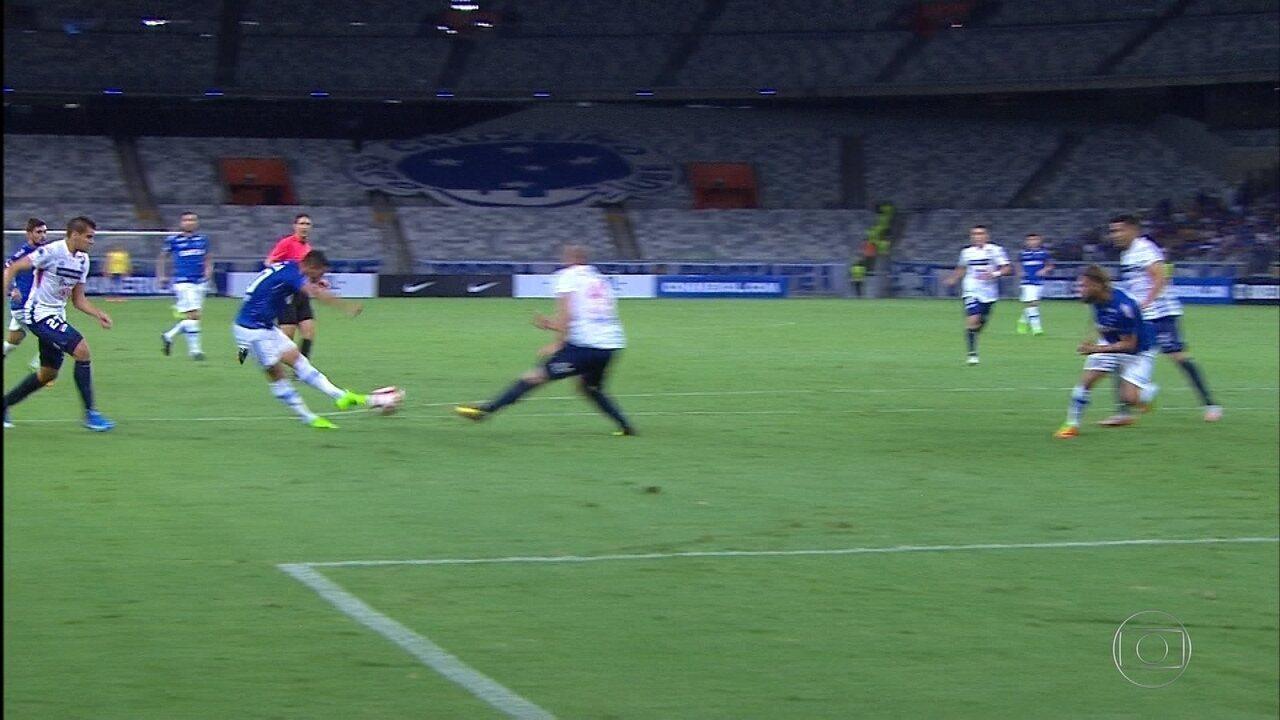 Confira os melhores momentos da vitória do Cruzeiro em cima do Nacional, do Paraguai