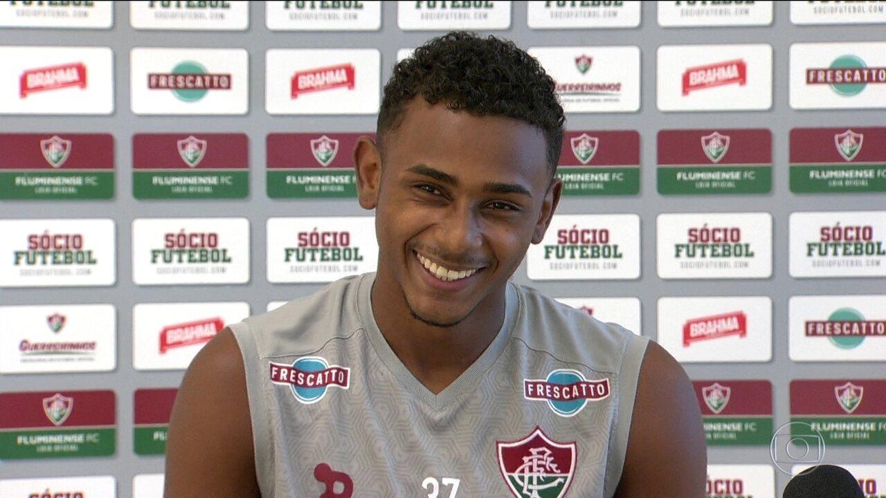 Após gol no Fla-Flu, Wendel dá primeira entrevista coletiva e curte a fama