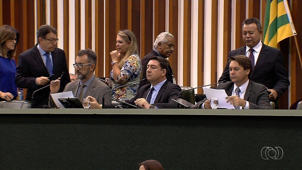 Assembleia aumenta verba que pode ser gasta com comissionados, em Goiás