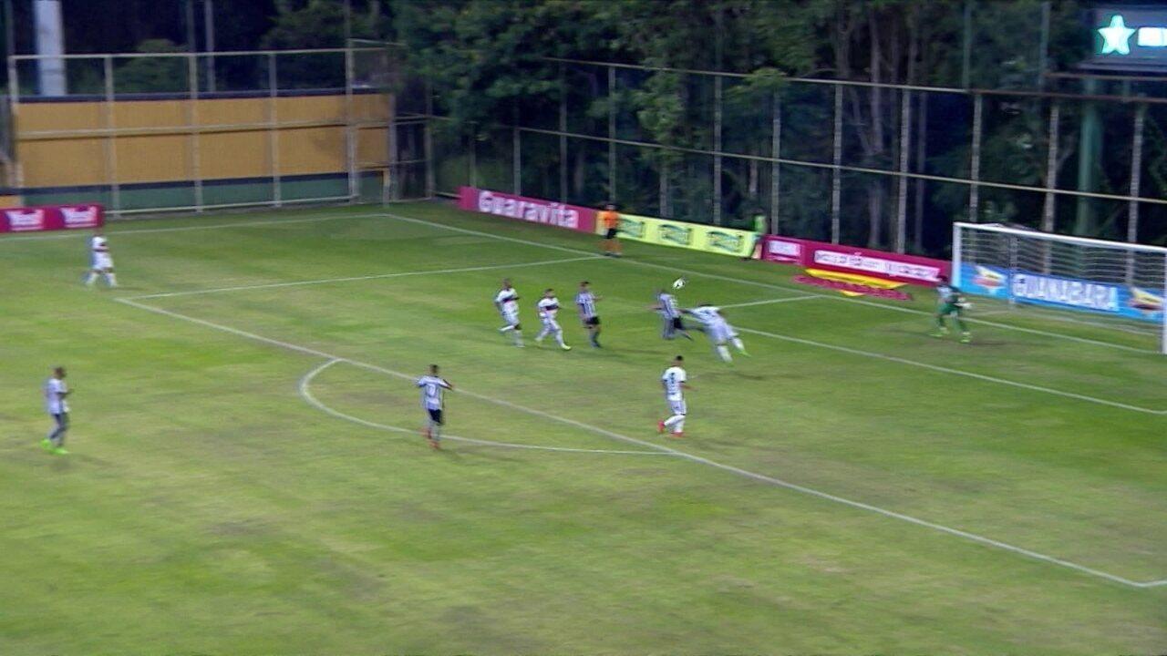 Veja as quatro assistências do garçom Gilson pelo Botafogo