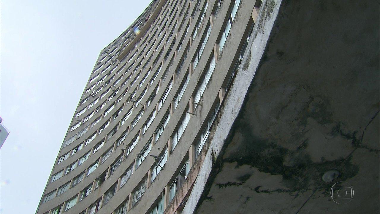 Celpe faz operação para retirar ligações clandestinas em edifício na Zona Sul do Recife