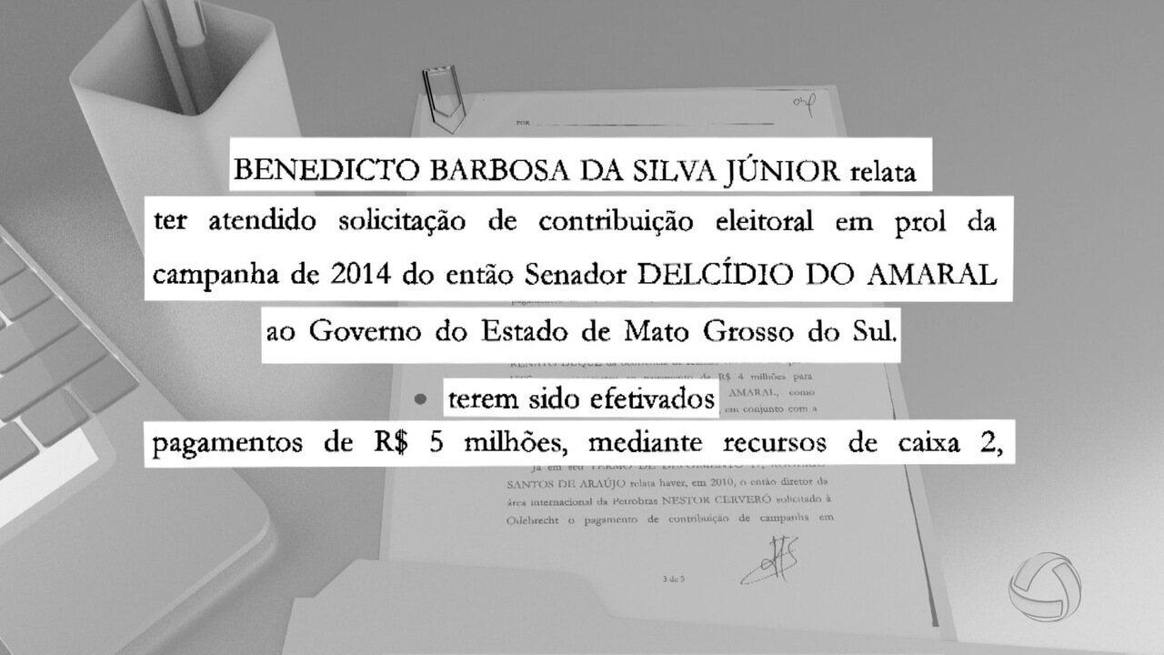 Delcídio do Amaral é suspeito de ter recebido recursos ilegais para campanhas eleitorais