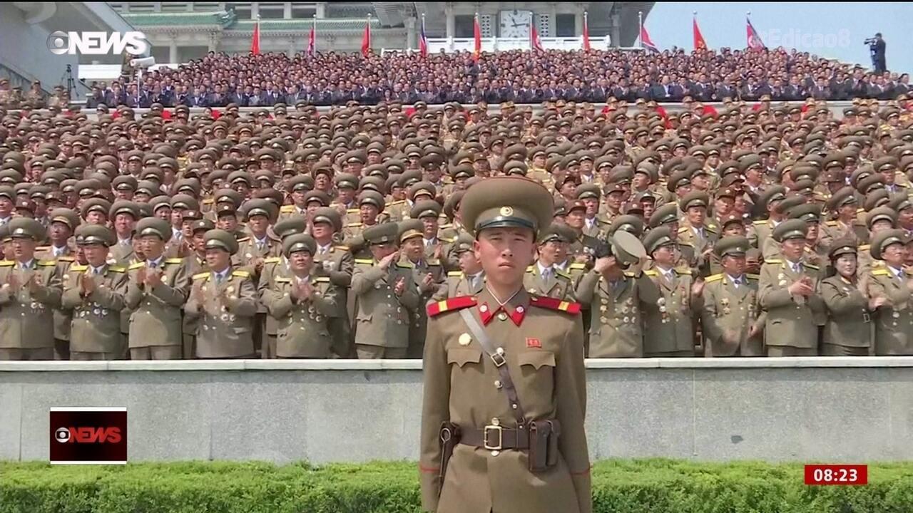 Coreia do Norte mostra possíveis novos mísseis balísticos