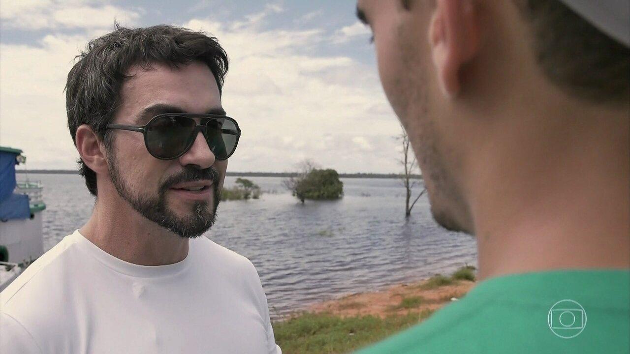 Padre Fábio de Melo vai até a Amazônia e conhece projeto que leva luz para comunidades