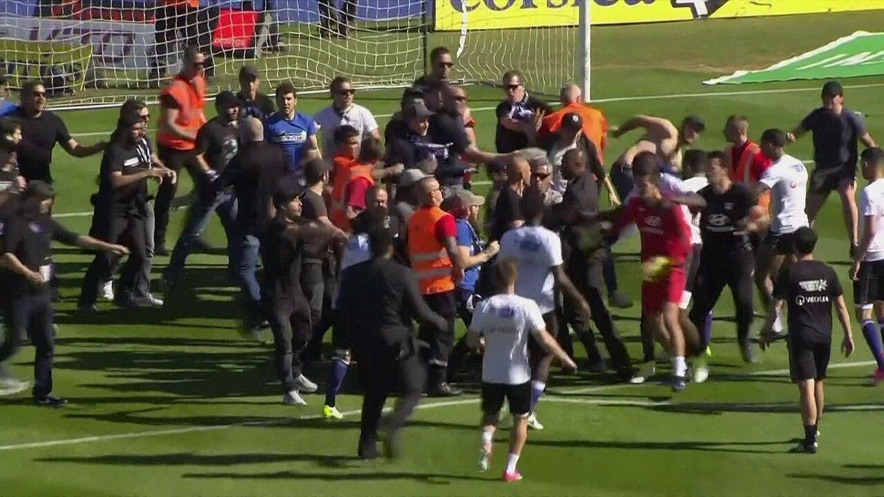Jogo entre Bastia e Lyon pelo Campeonato Francês é marcado por confusões