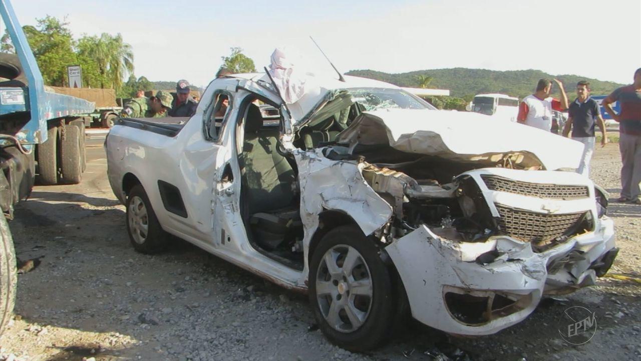 Dois ficam feridos após acidente na MG-050, em Itaú de Minas (MG)