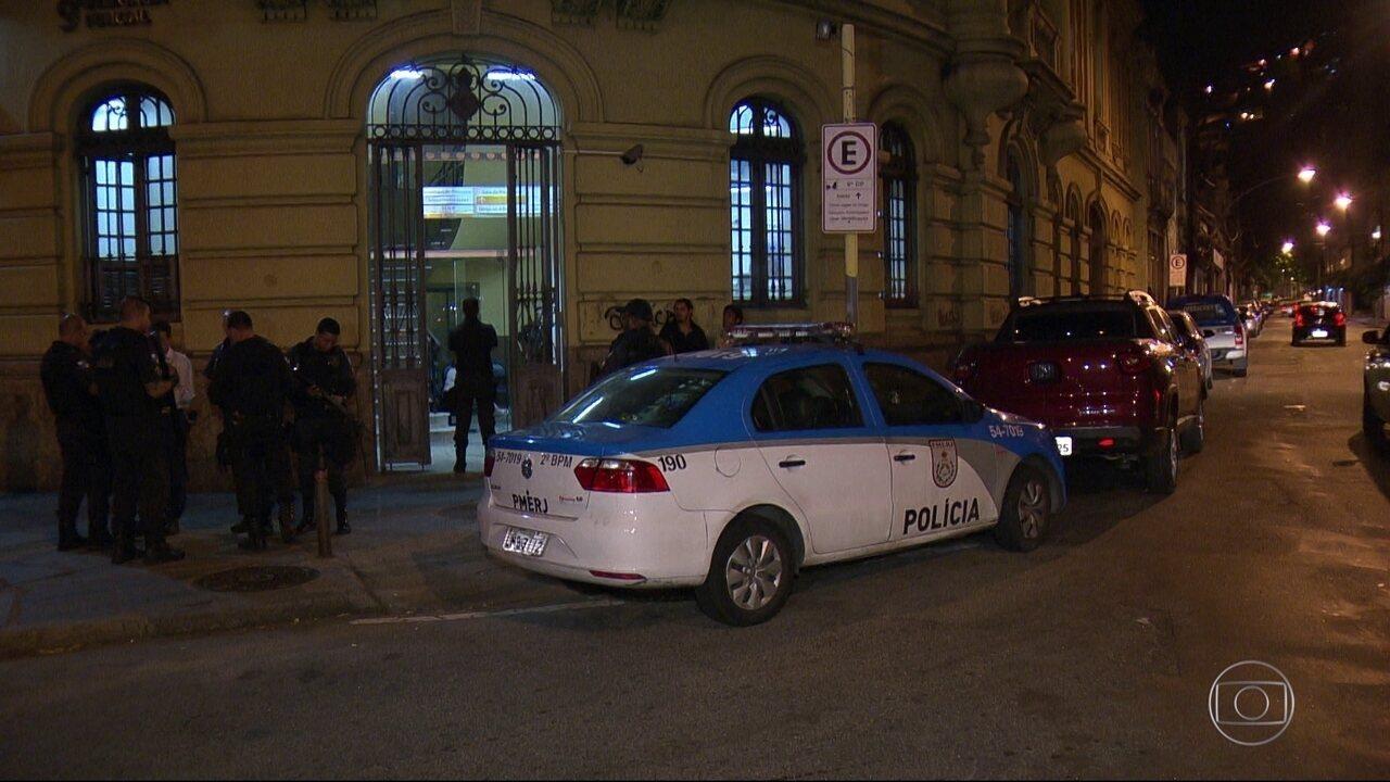 Perseguição termina em tiroteio após assalto em Laranjeiras