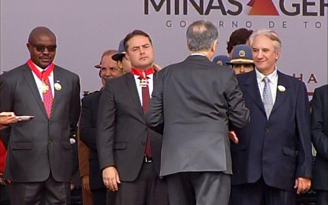 Governador Fernando Pimentel entre Medalha da Inconfidência em Ouro Preto