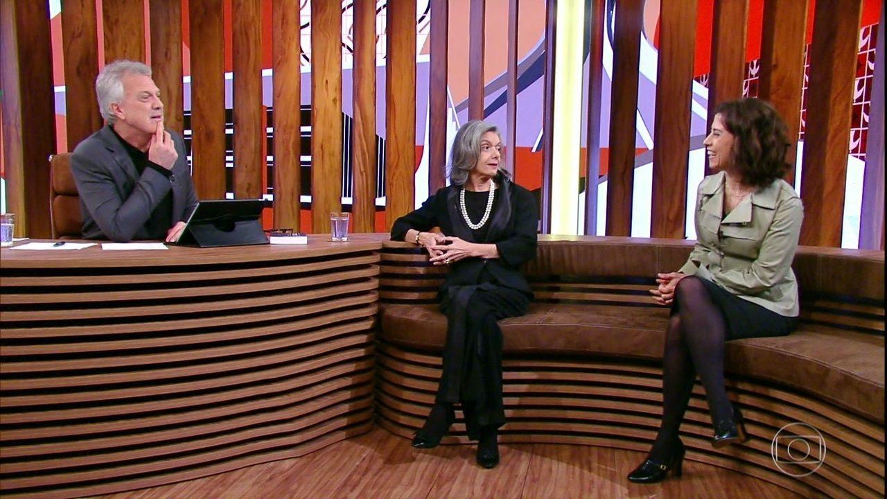Fernanda Torres participa da conversa com Cármen Lúcia