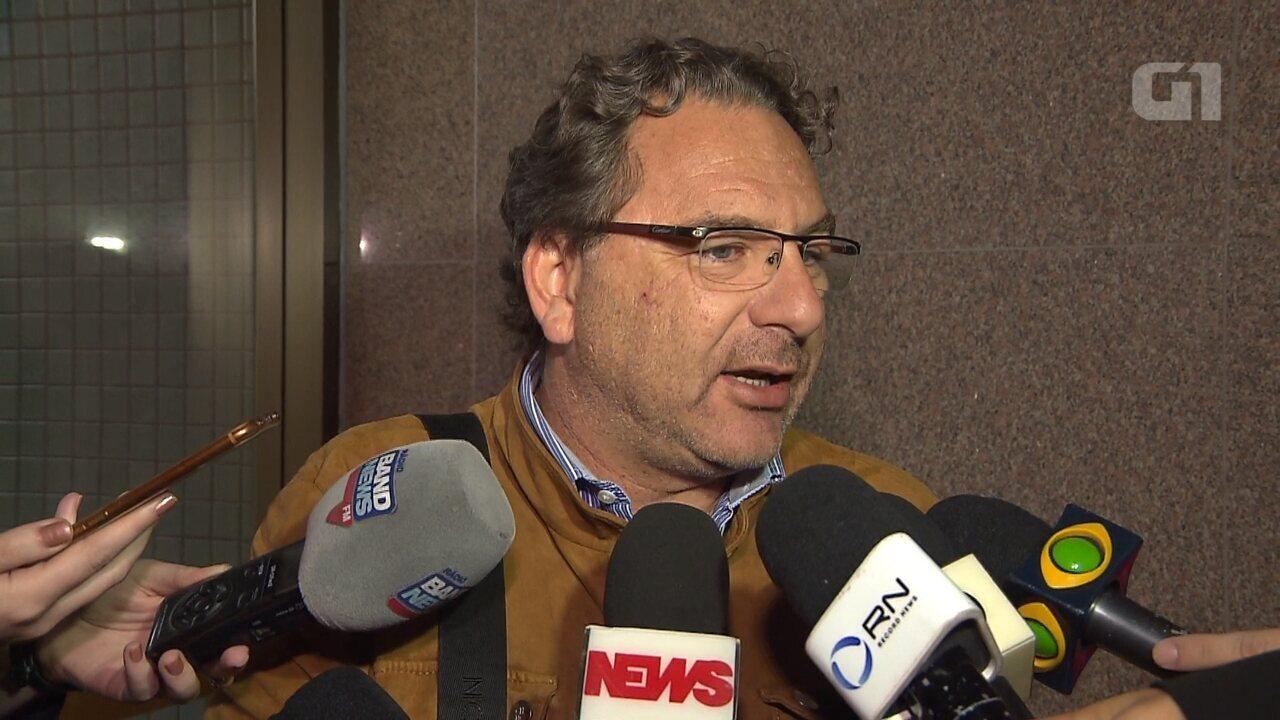 Advogado de Dirceu diz que tornozeleira eletrônica poderia ter sido colocada no 1º dia