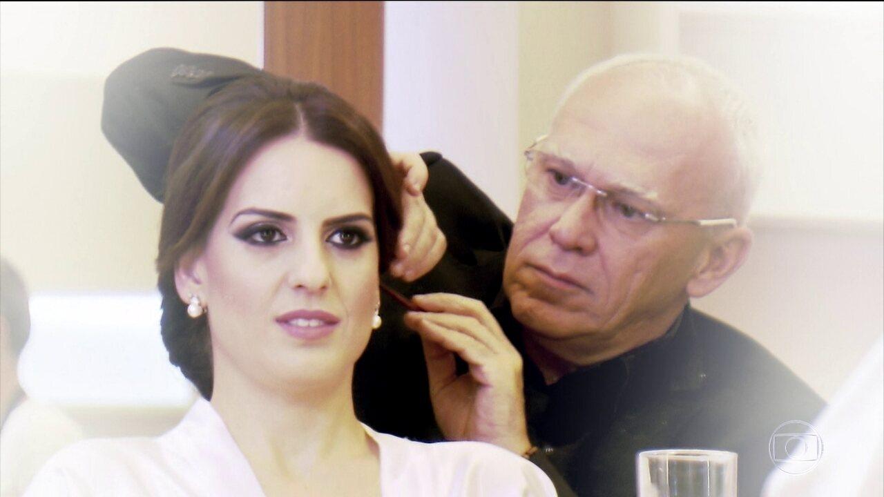 Cabeleireiros, manicures e maquiadores viram psicólogos no dia da noiva