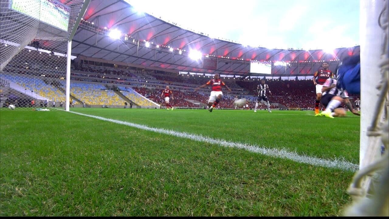 Em 2015, Atlético-MG derrota o Flamengo, no Maracanã, pelo Campeonato Brasileiro