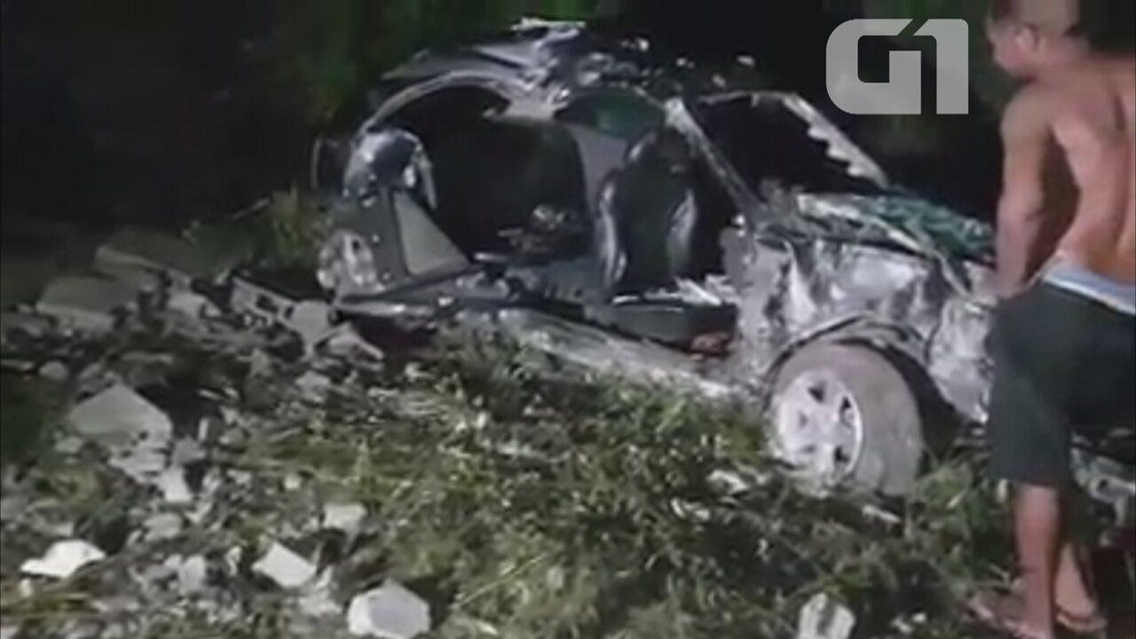 Ao todo sete pessoas estavam em carro envolvido no acidente no domingo (14)