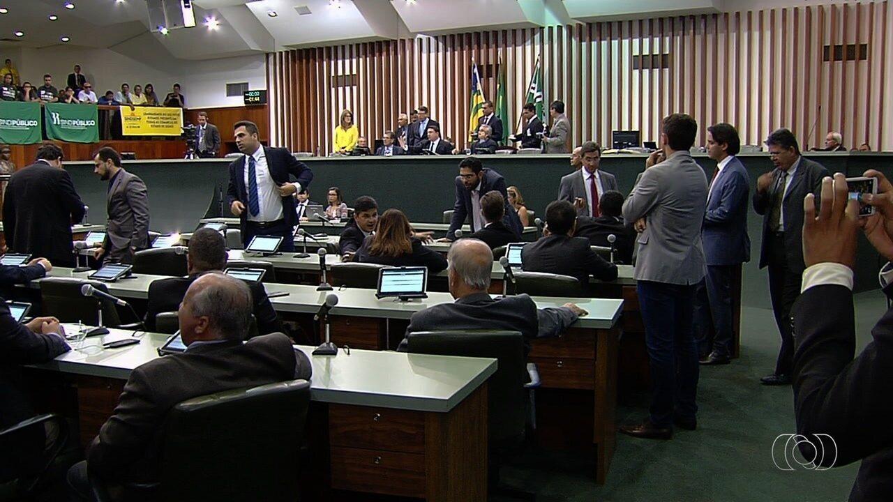 PEC que congela gastos do governo de Goiás passa por alterações
