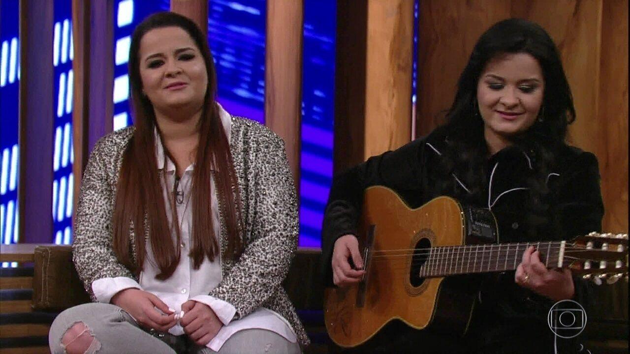 Maiara e Maraisa cantam