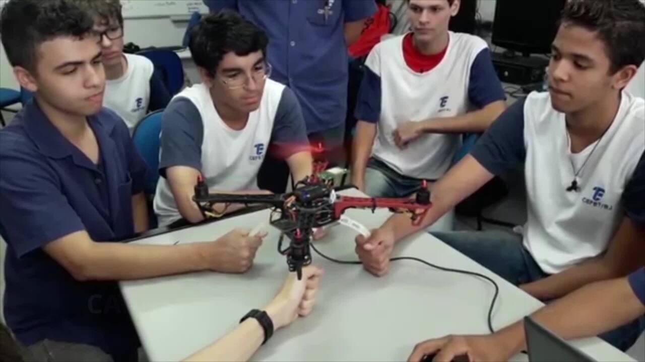 Alunos do Cefet-RJ e do Colégio Pedro II, do Rio, vão participar da Fórmula Drone